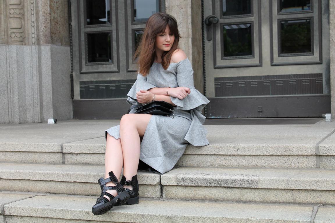 Shoulder Dress Chicwish